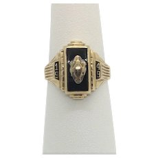 1949 10k Yellow Gold and Black Onyx Balfour Class Ring Size 7.5