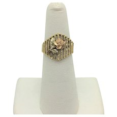 14k Yellow and Rose Gold Vintage Floral Design Ring Size 5.5