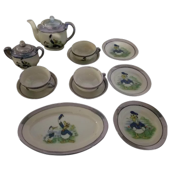 Donald Duck Partial Tea Set