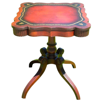 Vintage L. Scalera Regency Style Mahogany Leather Top Parlor Foyer Tea End Table