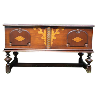 Vintage Art Deco Cedar Hope Chest Jacobean Trunk West Branch Novelty Co.