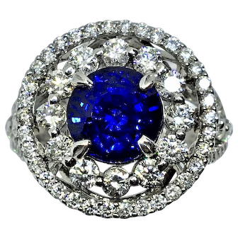 Amazing Sapphire and Diamond Ring