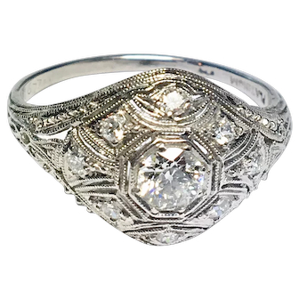 Beautiful Art Deco Platinum Filigree Ring