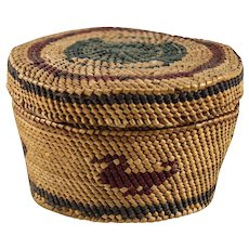 19th century Native American Indian Twined Basket, soft foundation. Duck motif