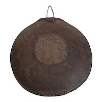 Papua New Guinea Feasting Bowl / Tray carved raised traditional design