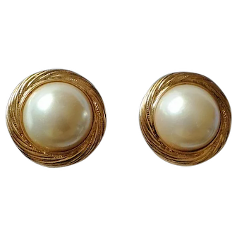 Vintage 80's Signed Trifari Gold-Tone Faux Pearl Clip-on Earrings USA Made