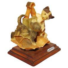 Signed Giuseppe Armani Capodimonte Playing Cats Figurine Capo Di Monte Statue