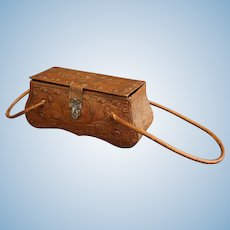 Antique leather sewing necessaire for your Fashion doll