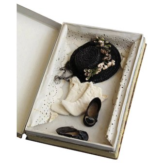 """Original accessories in box for Mademoiselle mignonette or 5"""" french type all bisque doll"""