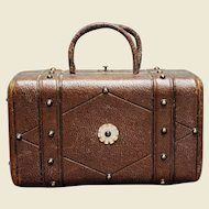 "Scarce Huret luxury leather ""Sac de Voyage"" for French Fashion Doll - Ca 1870"
