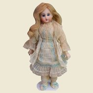 Tiny Bebe for the French market - Factory original Belton doll - ca 1885