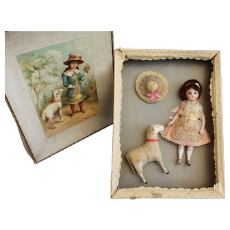 Reserved for K., French mignonette doll in presentation box