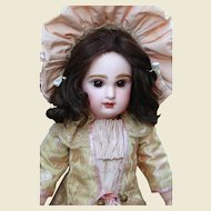 Exquisite Jumeau Bebe closed mouth - Perfect cabinet size doll !