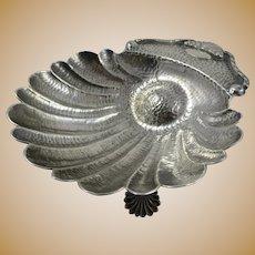 Beautiful Hand Hammered 910 Silver Scalloped Shell dish by Arturo Medina, 136 Grams