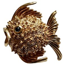 Elegant 14K Gold and Sapphire Puffer Fish Brooch, 6 Grams