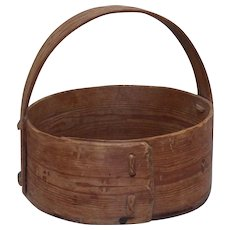 Old folk art farmer made Scandinavian bentwood pine basket