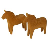 2 each vintage Swedish Dala Horse / Dala Häst from the first half of the 20 century Sweden