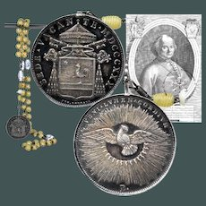 Amazing 1830 Italian Murano glass beads rosary with silver Sede Vacante coin 1830 from Camerlengo Pietro Francesco Galleffi