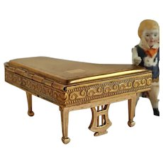 Vintage very special Figural powder Compact Piano, totaly complete & working Foldable legs Pygmalion