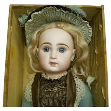 Antique french bebe jumeau size 10, ribbon winner in national exhibition of antique dolls.....