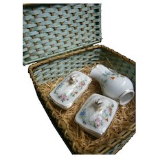 French picnic wicker basket with 5 piece toilette set