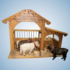 """15""""(32cm)FRench Antique """"Vacherie Modele"""" wood toy stables with 3 cows and accessories  anciennes."""