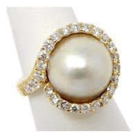 18 kt Yellow Gold 15 mm Mabe Pearl & Halo Diamond Ring Size 7 A3322