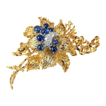 c. 1960 -1970's Vintage Floral Motif Sapphire & Diamond Pin Brooch 18 kt Yellow & White Gold A5409