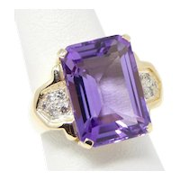 14 kt Yellow Gold BIG Amethyst & Diamond 3 Stone Style Ring Size 7 1/4 A5520