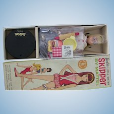 VTG Japanese Exclusive Blonde Skipper Barbie Box Gold Letter Stand Pedestal
