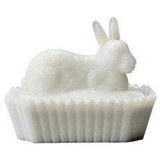 Westmorland Mule Eared Rabbit Milk Glass Covered Dish On Picket Fence Opalescent Color