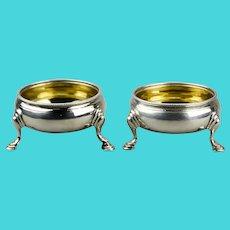 Hester Bateman Sterling Silver Salt Cellars Gilt Lined Bowls Hoofed Feet London, England c.1782 Pair
