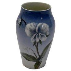 Royal Copenhagen Lite Blue Vase White Flowers