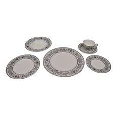 Royal Worcester Padua Pattern Dinner Service 6 Piece Place Setting