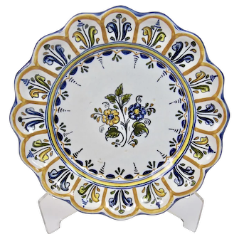 Spanish Talavera Faience Plate Polychrome Floral Motif 10.25 Inches