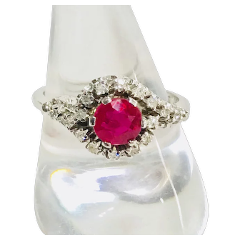 18k White Gold Ring Diamonds & Ruby