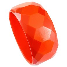 BIG Vintage 1930s Art Deco Geometric Red Bakelite Faceted Bangle BRACELET