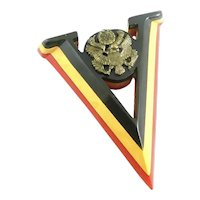 BIG Vintage 1940s Handmade Patriotic Three Color Bakelite V for Victory Brooch PIN