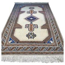 Free shipping - 8.7 x 5.6 Light Anatolian Kazak Oriental rug