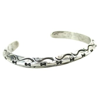 Southwestern Sterling Silver Carinated Incised Cuff Bracelet