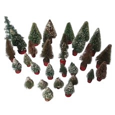 30 Vintage Wood Base Christmas Brush Trees