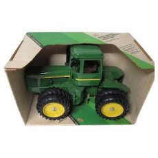 "Vintage Ertl # 5508 JOHN DEERE 1/16"" Scale 4 Wheel Drive Tractor in Original Box"