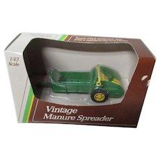 "1992 Ertl JOHN DEERE 1/43"" Scale Vintage Manure Spreader in Original Box"