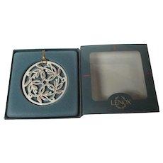 Lenox Days of Christmas Ornament in Original Box - 5 Gold Rings - 1991