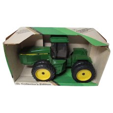 "LARGE Vintage Ertl JOHN DEERE 1/16"" Scale 4 Wheel Drive Tractor in Original Box"