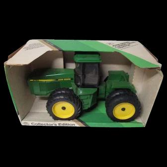 """LARGE Vintage Ertl JOHN DEERE 1/16"""" Scale 4 Wheel Drive Tractor in Original Box"""