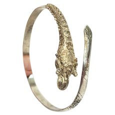 Straights Chinese 800 Silver Dragon Bracelet, Etruscan Style Cannetille Head, 1900s