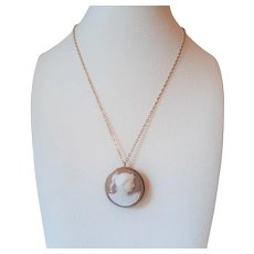 Shell Cameo Pendent/Brooch