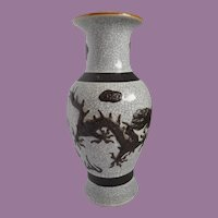 Early 19th Century Chinese Crackle Glaze Porcelain Vase with Dragon Motif