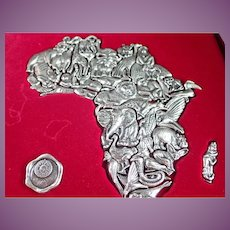 Vintage - The African Puzzle - 36 Pewter Animals Many Can Be Worn As Pendants